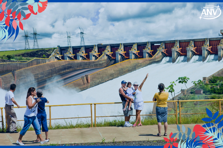Visitantes na Itaipu (antes da pandemia) | Foto: Alexandre Marchetti | Turismo: Itaipu Binacional fecha 2020 com números positivos